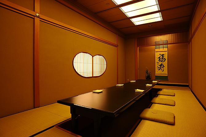 main328 美しい意匠、手厚いもてなし、そして華麗な料理 生まれ変わった「京都吉兆」の祇園店