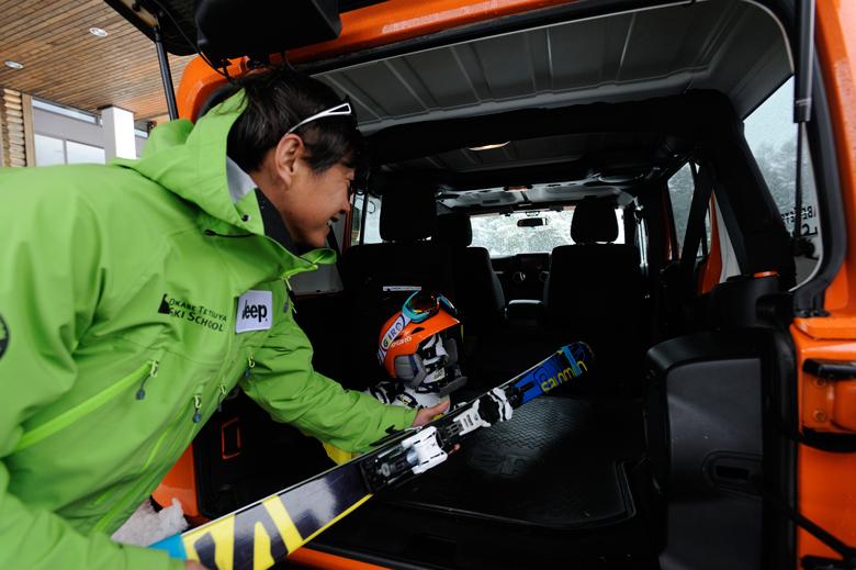 sub11 日本アルペンスキー界のパイオニア・岡部哲也氏が語る、スキーとJeep®の魅力