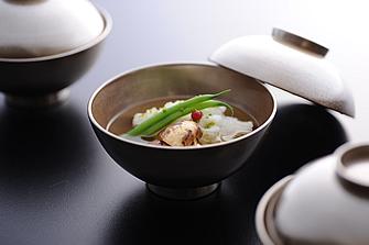 sub1_thumb32 美しい意匠、手厚いもてなし、そして華麗な料理 生まれ変わった「京都吉兆」の祇園店