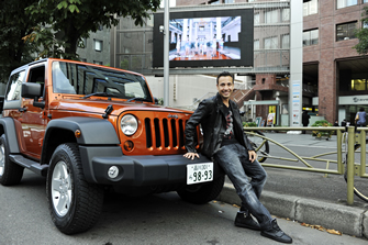 sub2_thumb70 behind the wheel : HOWIE Dさん