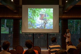 """sub319 非日常的な空間で自然と対話する """"茶室""""的のようなツリーハウス"""
