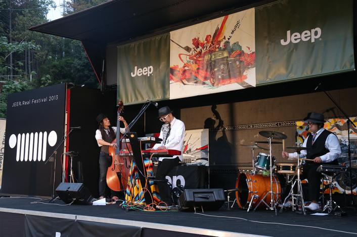 23-706x470 Jeep®の新たな鼓動を体感しよう。<br><Jeep® Real Festival 2013>現地レポート!