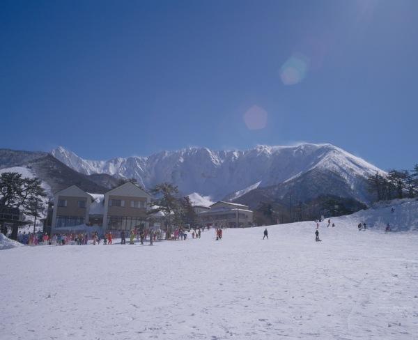 daisen 家族と、友人と、恋人と。Jeep®で乗りこみたい全国のスキー&スノボ スポット