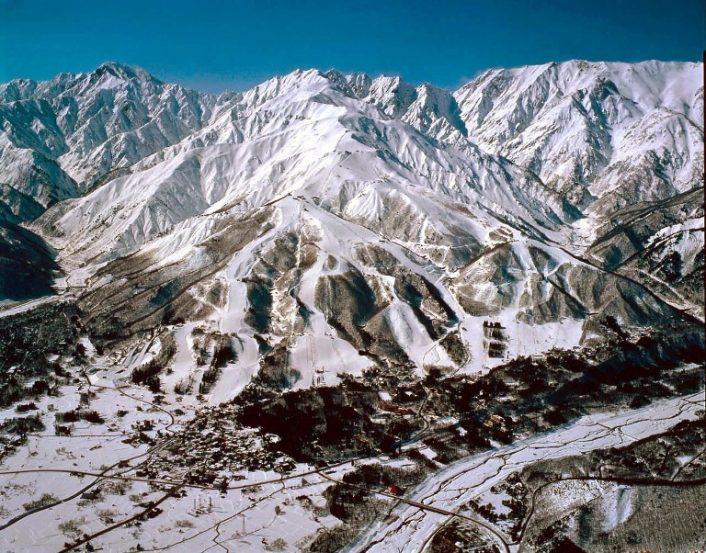 hakuba-706x553 家族と、友人と、恋人と。Jeep®で乗りこみたい全国のスキー&スノボ スポット