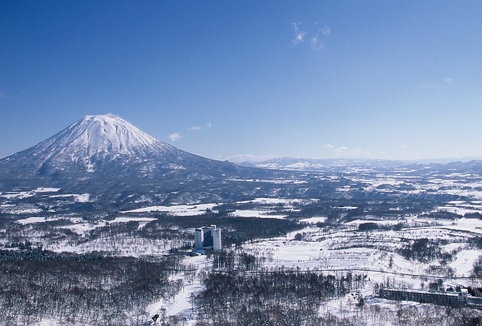 niseko 家族と、友人と、恋人と。Jeep®で乗りこみたい全国のスキー&スノボ スポット