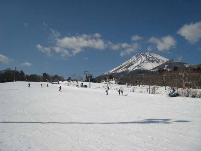 yeti 家族と、友人と、恋人と。Jeep®で乗りこみたい全国のスキー&スノボ スポット