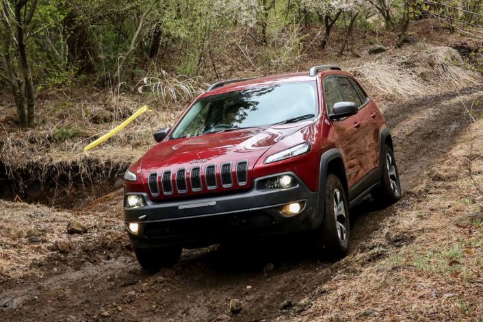 IMG_9662-706x470 新型Jeep® Cherokee(ジープ チェロキー)が明日デビュー!その前に全貌を完全レポート。