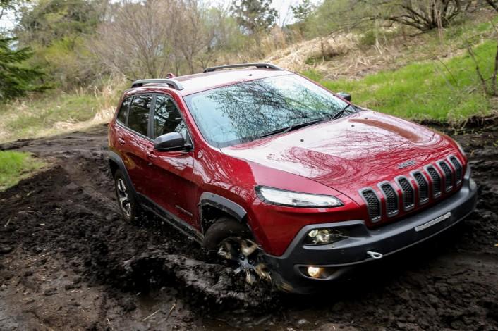 IMG_9945-706x470 新型Jeep® Cherokee(ジープ チェロキー)が明日デビュー!その前に全貌を完全レポート。