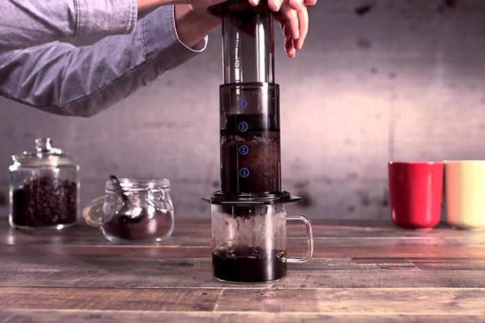 aerobie-706x470 自分で淹れたコーヒーは、やっぱり格別!至福の時間を演出する、こだわりのコーヒーギア特集