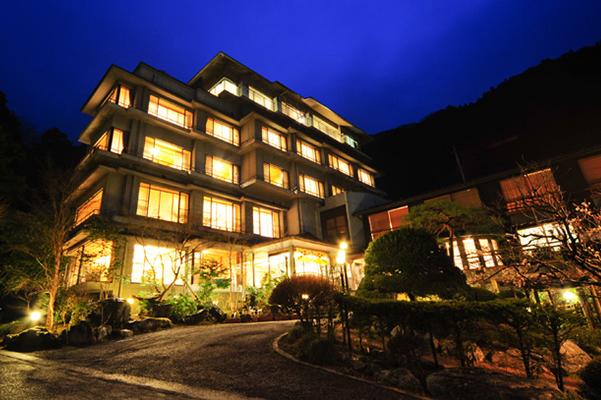 taishoukaku 紅葉もレジャーも満喫できる関東の温泉、一軒宿・旅館特集。「五感」で四季を楽しもう。