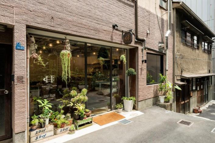 hirofumi_1-706x470 コーヒーカルチャーが日本を席巻中!全国のこだわりビーンズ・ショップ。