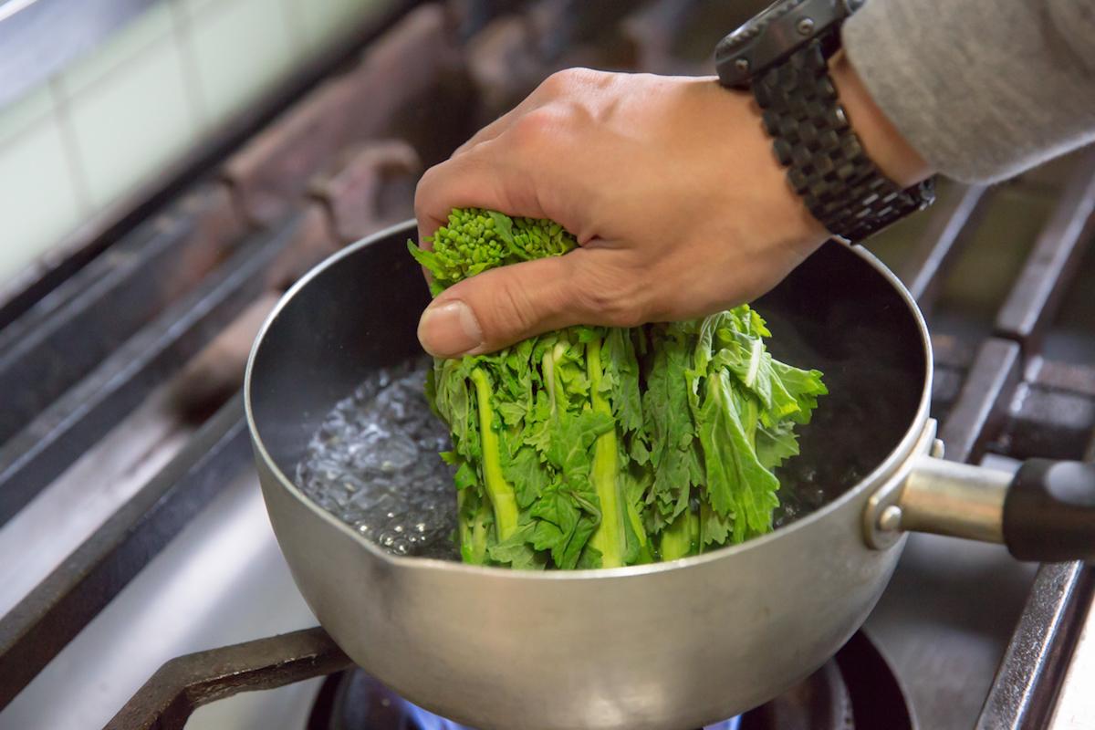 160203_YK_10078-1 春にオススメのアウトドア料理をご紹介! ダッチオーブン料理からパンケーキまで、デイキャンプで味わおう。