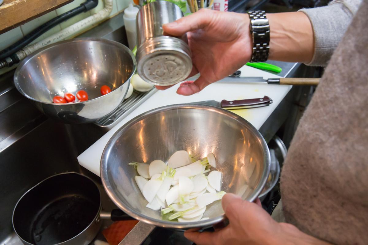 160203_YK_10088-1 春にオススメのアウトドア料理をご紹介! ダッチオーブン料理からパンケーキまで、デイキャンプで味わおう。