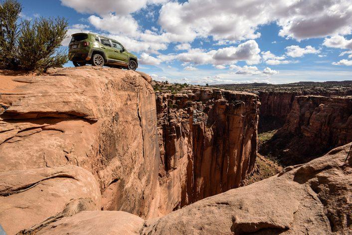 Jeep_75th__1062-706x471 75年のヒストリーが証明するJeep®の実力と魅力を聖地モアブで体験してきた Part 1