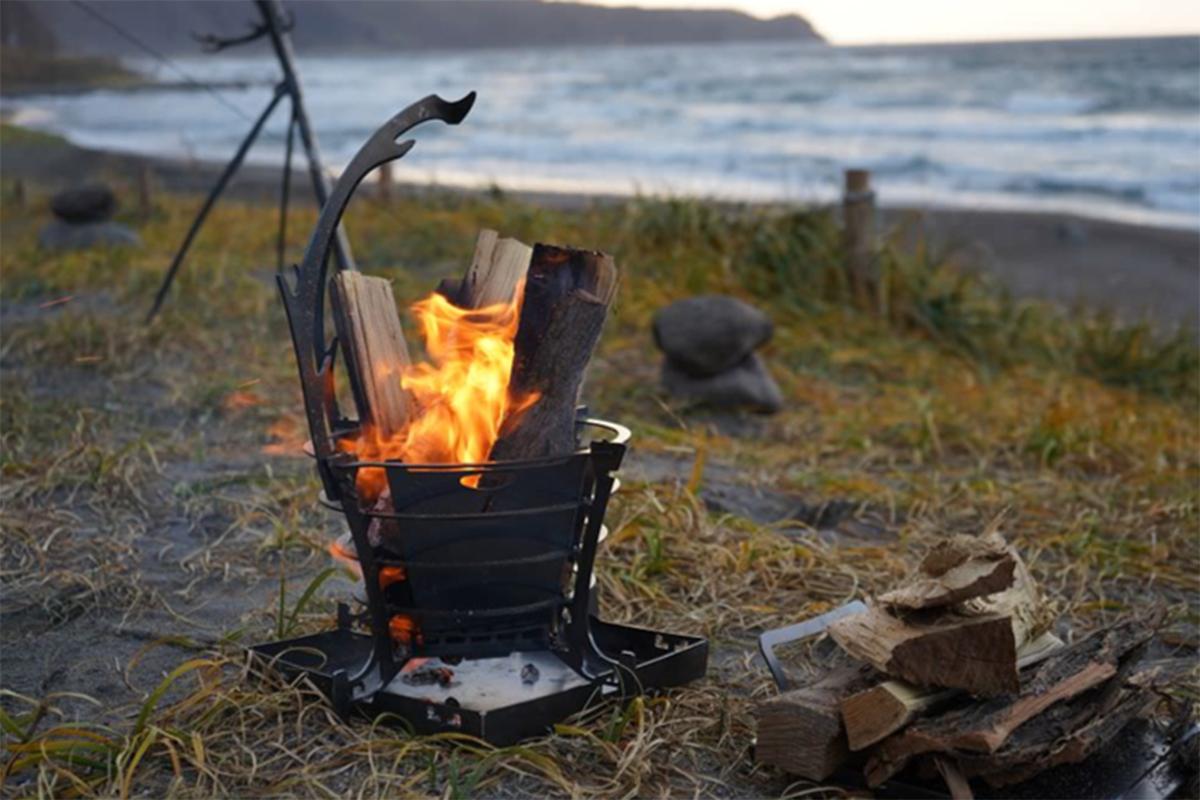 2-2-1 キャンプ必携のファイヤースターターから薪ストーブまで!耐風&燃焼効果が抜群のおすすめファイヤーギア14選