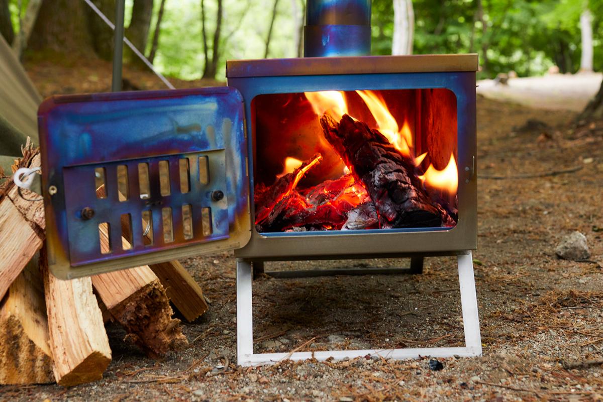 5-2 キャンプ必携のファイヤースターターから薪ストーブまで!耐風&燃焼効果が抜群のおすすめファイヤーギア14選
