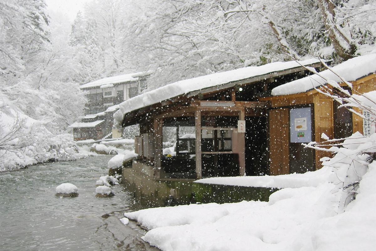 kizoku1 おすすめ温泉特集11選!年末年始の旅行や日帰りドライブで行きたい、オフロードや雪道&大自然の絶景を楽しめる秘湯・名湯を厳選紹介