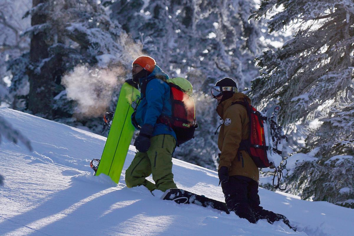DSC02719-S 雪山の奥へと導く『Jeep® Wrangler』 プロスノーボーダーたちのバックカントリースノーセッション!