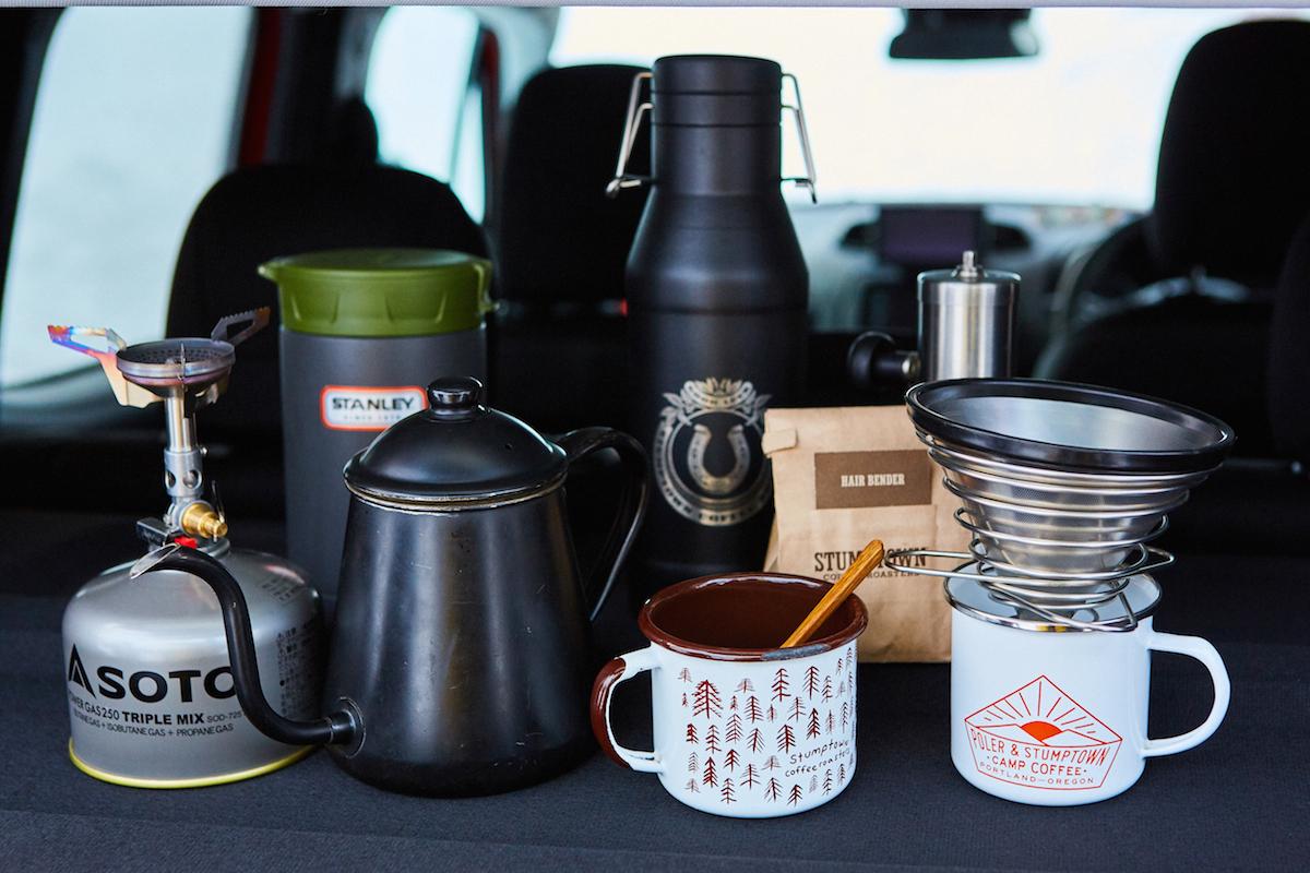 realstyle_02 人気コーヒー店『パドラーズコーヒー』店主が愛用するコーヒーグッズ&スタイリスト・井田正明さんおすすめの雪山で使えるギア5選!