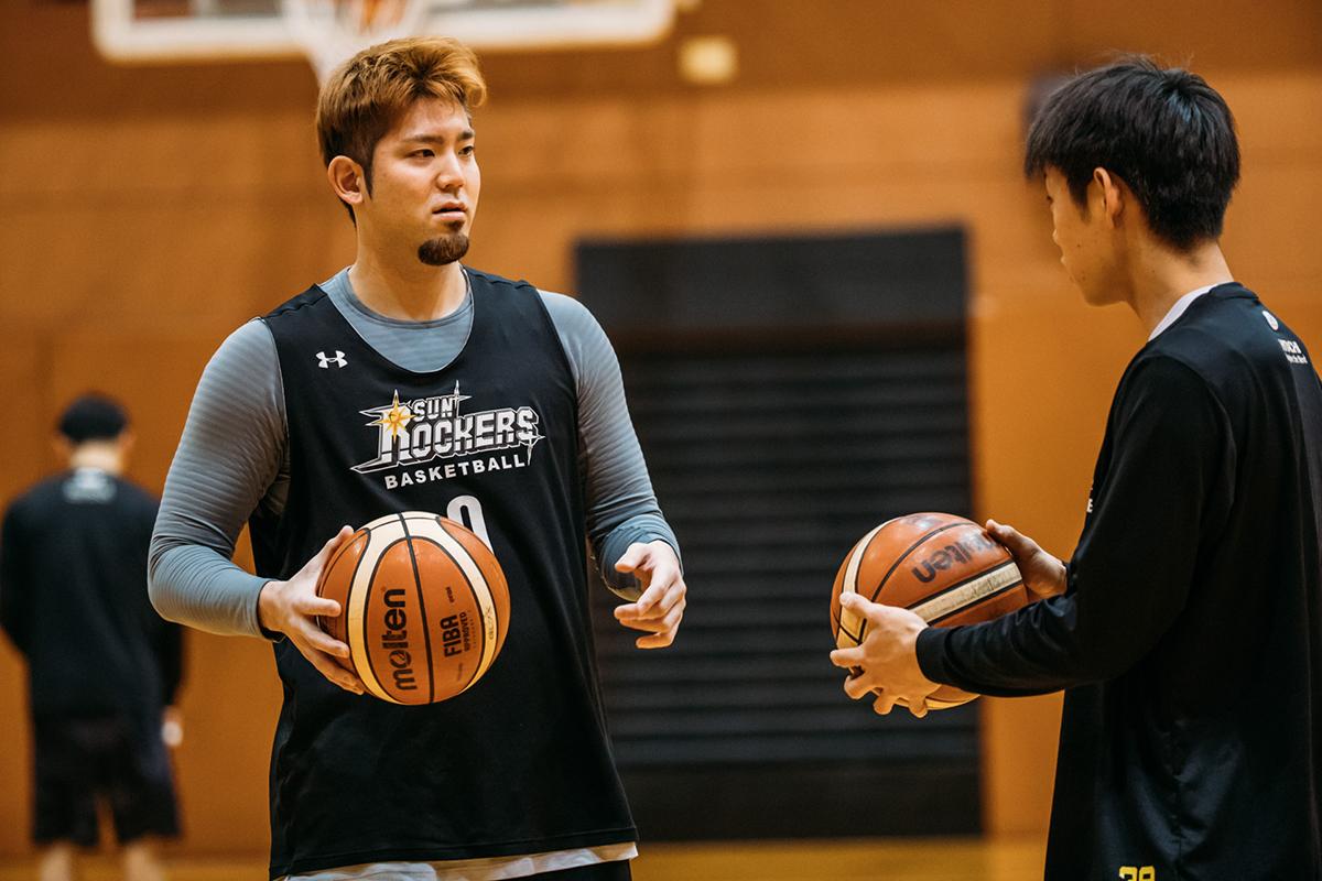 170324_YK_00032 プロバスケットボール「Bリーグ」所属、サンロッカーズ渋谷のプレーヤーでJeep®オーナー。伊藤駿選手&満原優樹選手にインタビュー!