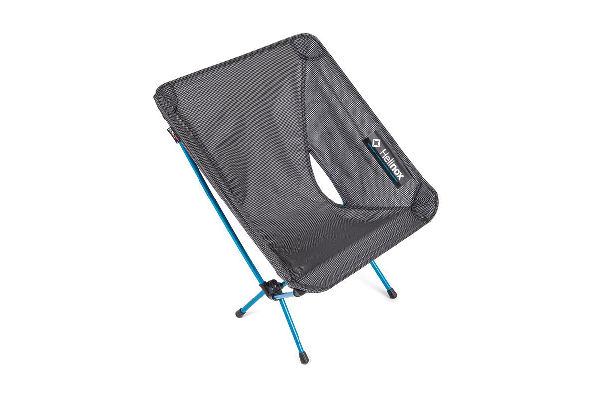 helinox1 【2017年】キャンプ&夏フェスにおすすめのアウトドア・チェア特集!コンパクト&軽量はもちろん、室内にも置きたいおしゃれな椅子11選!