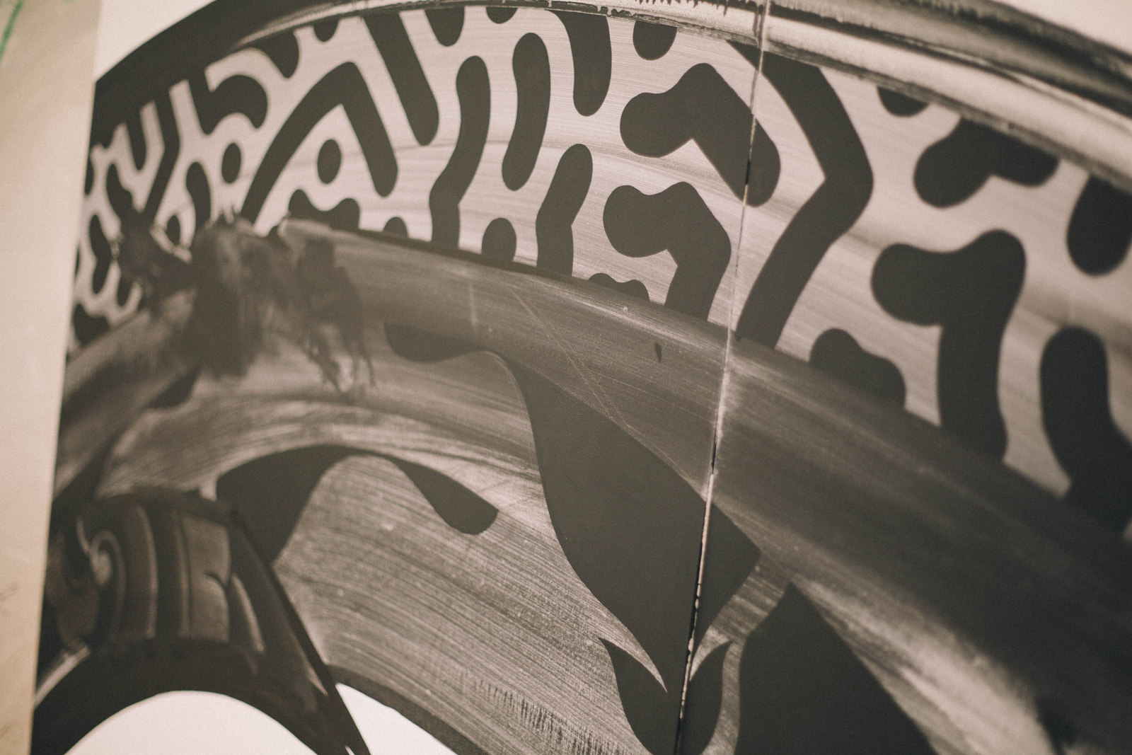 IMG_1353 国内外で活躍するアーティスト4組の「作品の向こう側」| ジャーナル スタンダード「オムニバス展」密着レポート!