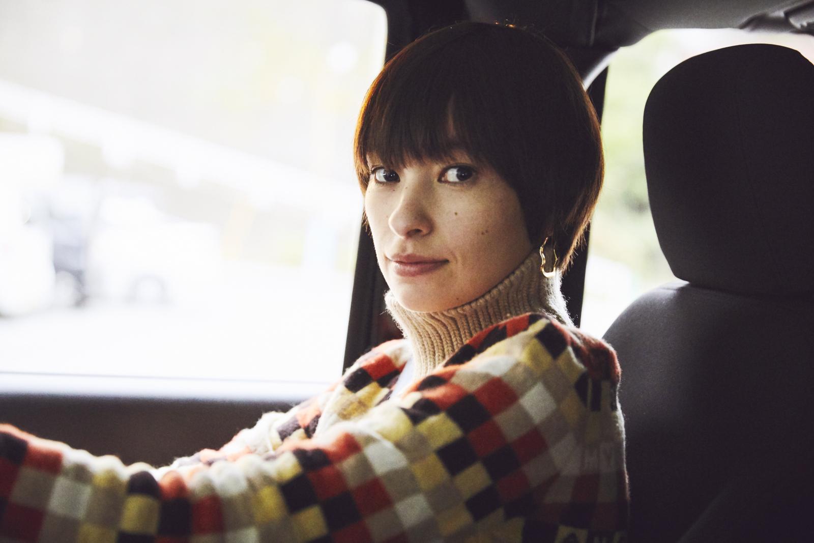 ho_104899 女優・太田莉菜さんがドライブに持っていく愛用品6選【MY STANDARD】