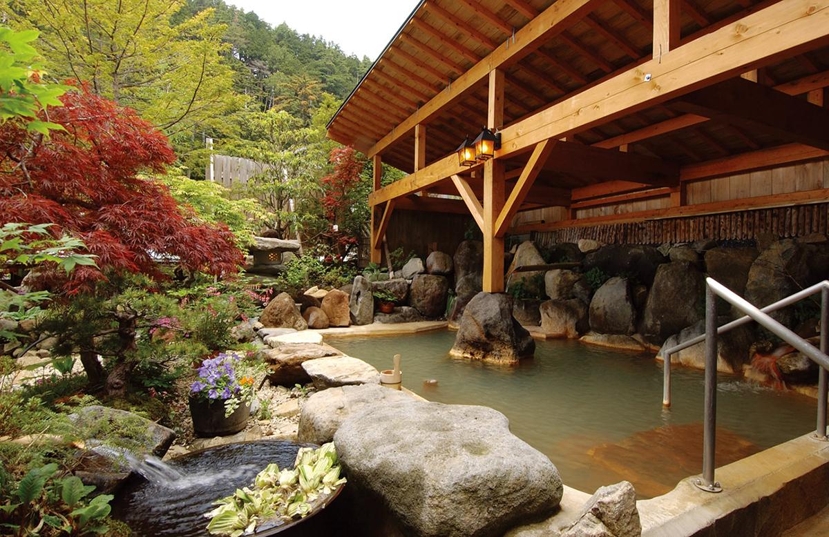 asahi1 おすすめ温泉特集11選!年末年始の旅行や日帰りドライブで行きたい、オフロードや雪道&大自然の絶景を楽しめる秘湯・名湯を厳選紹介
