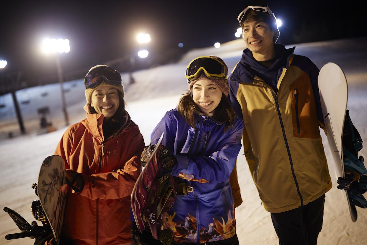 190212_Jeep_ski_3 【関東近郊のスキー場特集】プロスキーヤー/スキー雑誌編集者の太野垣達也が選ぶ、シーズン終盤までスキー・スノボを満喫できるおすすめスキー場8選!