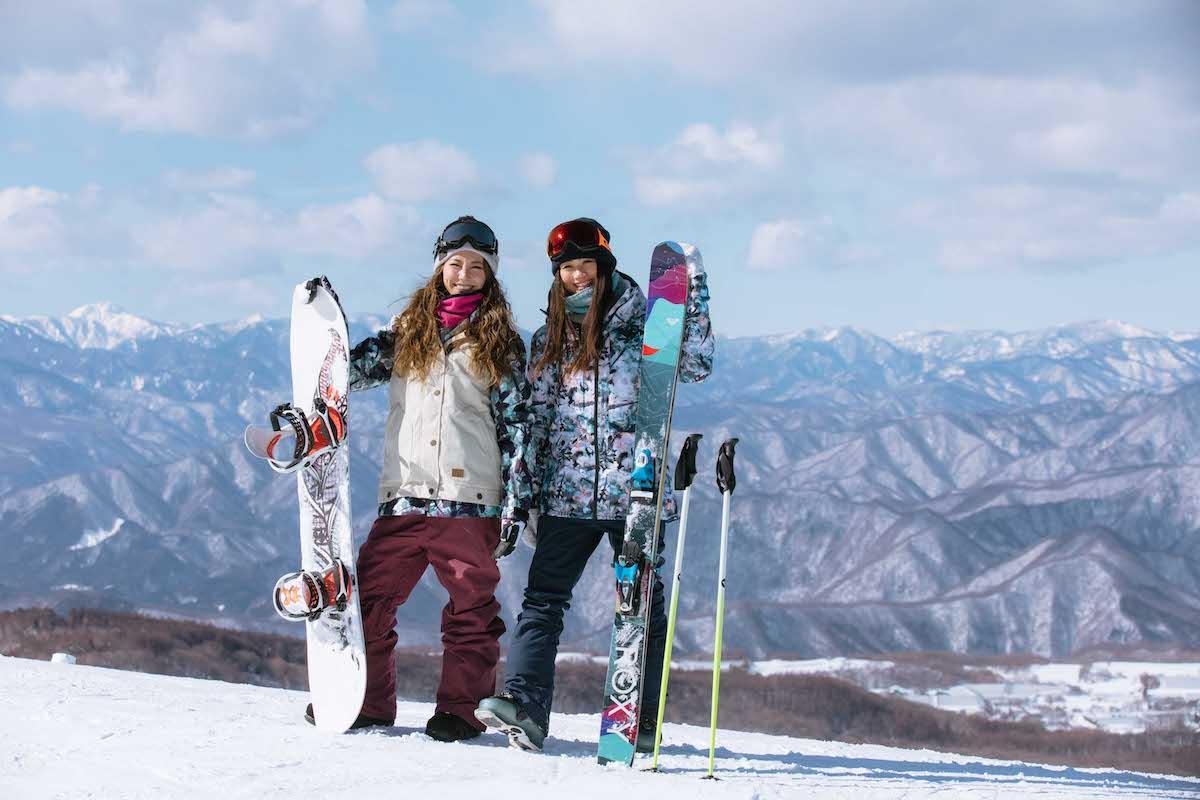 190212_Jeep_ski_4 【関東近郊のスキー場特集】プロスキーヤー/スキー雑誌編集者の太野垣達也が選ぶ、シーズン終盤までスキー・スノボを満喫できるおすすめスキー場8選!