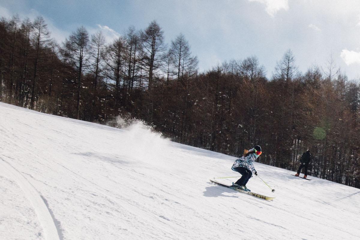 190212_Jeep_ski_5 【関東近郊のスキー場特集】プロスキーヤー/スキー雑誌編集者の太野垣達也が選ぶ、シーズン終盤までスキー・スノボを満喫できるおすすめスキー場8選!