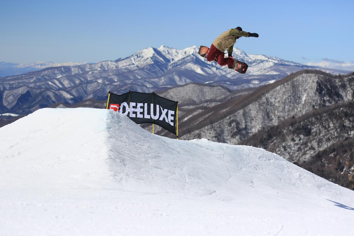 190212_Jeep_ski_7 【関東近郊のスキー場特集】プロスキーヤー/スキー雑誌編集者の太野垣達也が選ぶ、シーズン終盤までスキー・スノボを満喫できるおすすめスキー場8選!