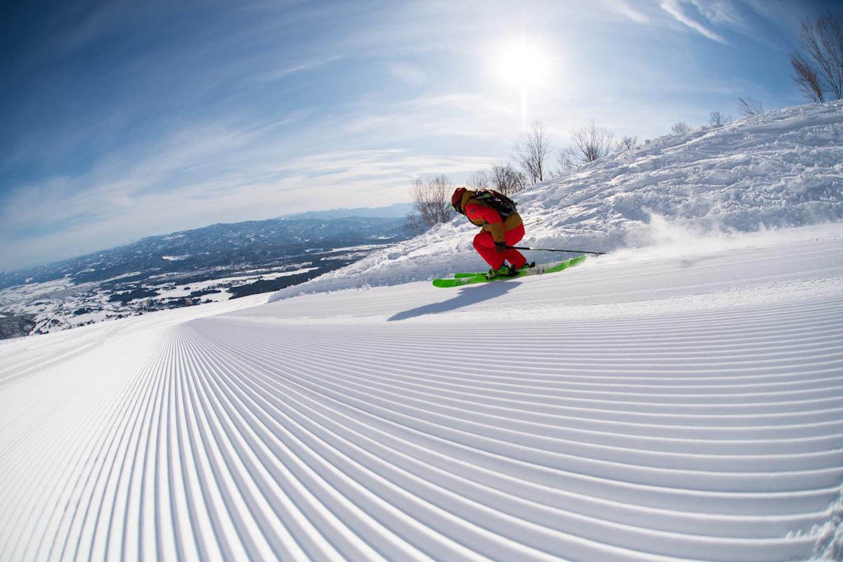 190212_Jeep_ski_8 【関東近郊のスキー場特集】プロスキーヤー/スキー雑誌編集者の太野垣達也が選ぶ、シーズン終盤までスキー・スノボを満喫できるおすすめスキー場8選!