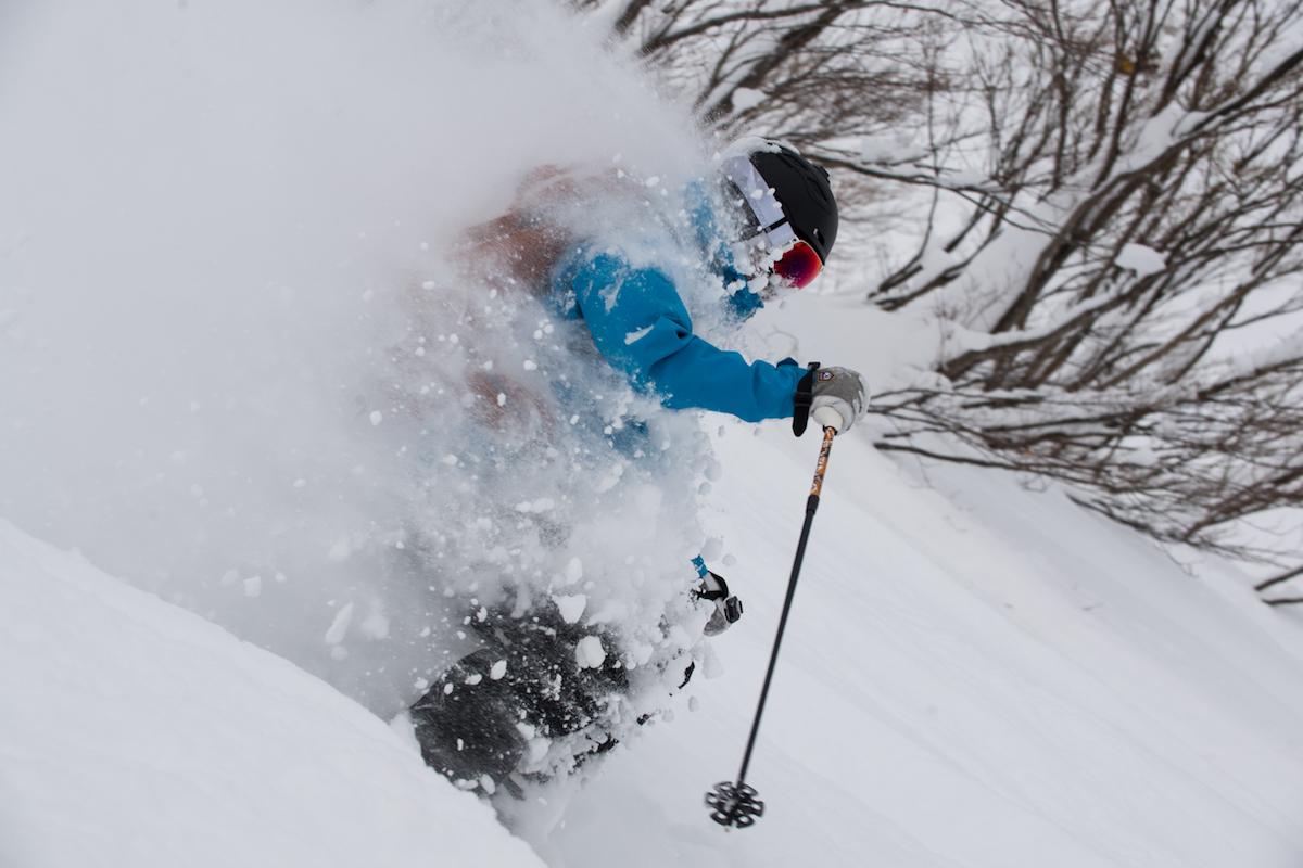 190212_Jeep_ski_9 【関東近郊のスキー場特集】プロスキーヤー/スキー雑誌編集者の太野垣達也が選ぶ、シーズン終盤までスキー・スノボを満喫できるおすすめスキー場8選!