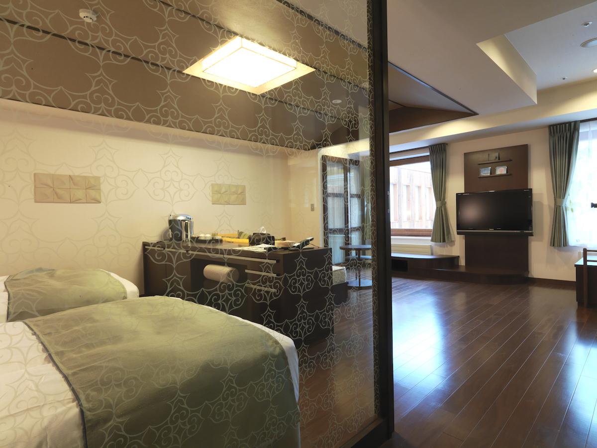 190300_jeep_pet_hotel_02 【ペットと一緒に泊まれるホテル11選】愛犬と快適に過ごせる日本各地の宿&リゾートホテルをご紹介!