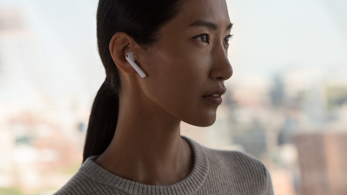 apple-airpods-2 【完全ワイヤレスイヤホン11選】コスパ重視のエントリーモデルから音質・機能重視のハイエンドモデルまで最新おすすめ機種をご紹介!