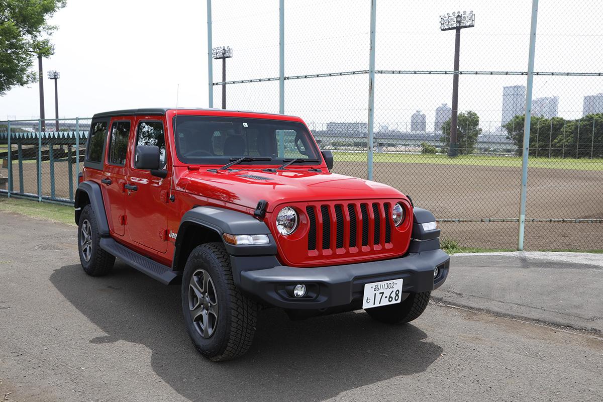 8 Jeep® 協賛の『世界の野球グローブ支援プロジェクト』に、日米で活躍した名ピッチャー・岡島秀樹さんがエールを送る!