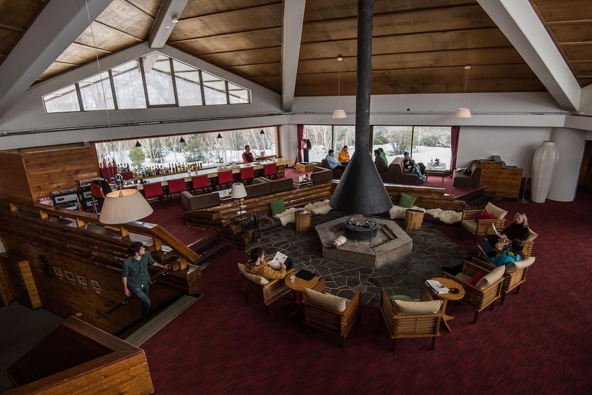 """hotel-lounge サウナは""""コミュニケーションの場"""" Jeep® × METOS ASEMAで旅する、夏の奥志賀高原ホテル"""