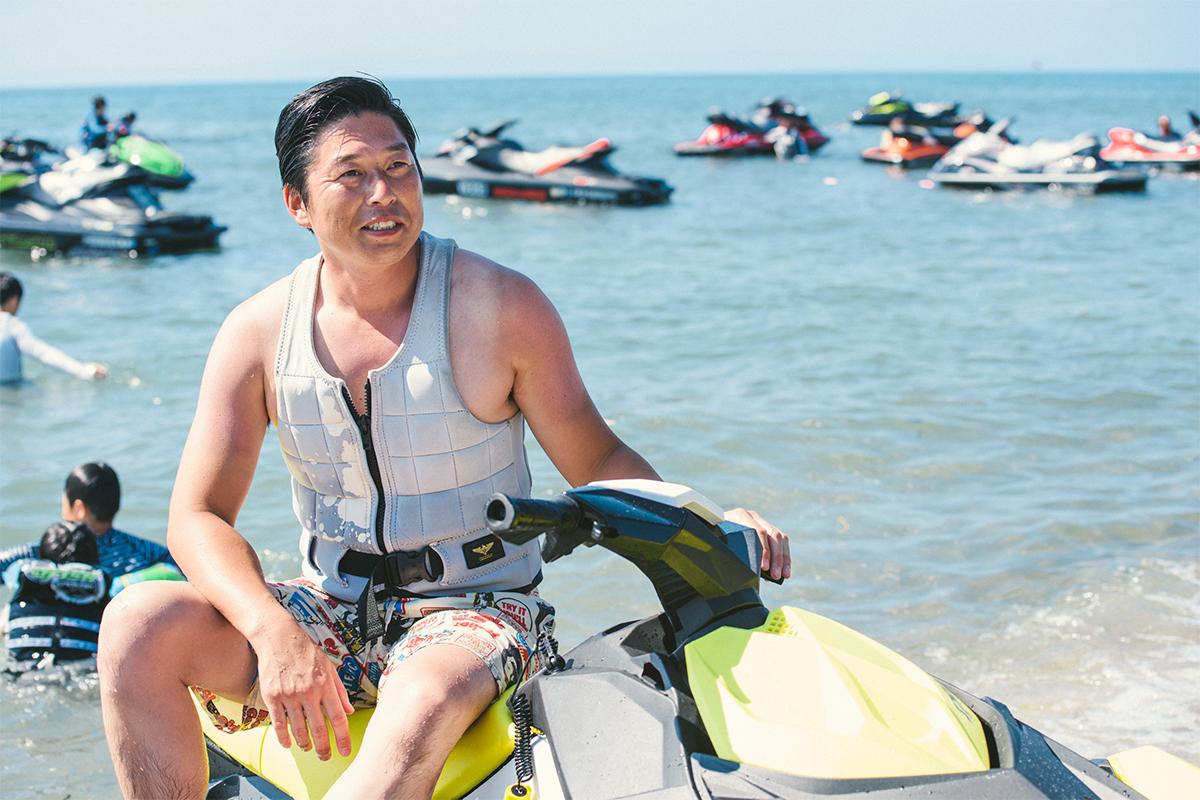 """0005_20180715_qetic-jeep-0276 Do the Real Thing! """"本気の夏""""プレゼント キャンペーン当選者、小林さんファミリーにインタビュー! 水上バイクの乗り心地、そしてJeep® の魅力とは?"""