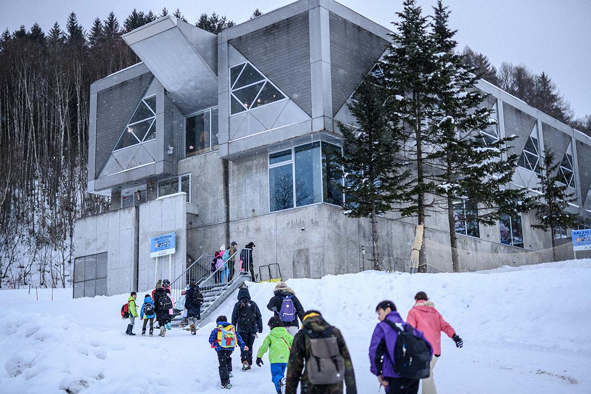 DSC_7403 Jeepがサポートする復興支援プロジェクト『雪育遠足』レポート&佐々木明×井山敬介のトップスキーヤー対談!