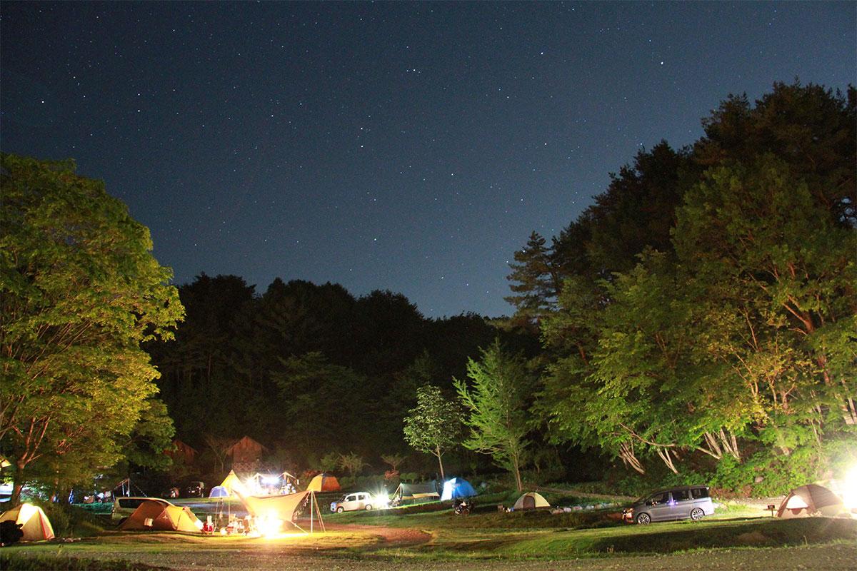 starforest01 Jeep®で行く天体観測スポット特集。満天の星空や流星群が望める場所を厳選ピックアップ