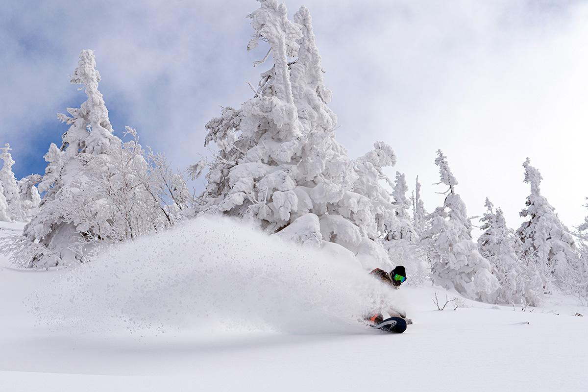 13_DSC7541 豊富な雪を求め、世界的トップスノーボーダー布施 忠がJeep Wranglerで豪雪地・八甲田を旅した二日間