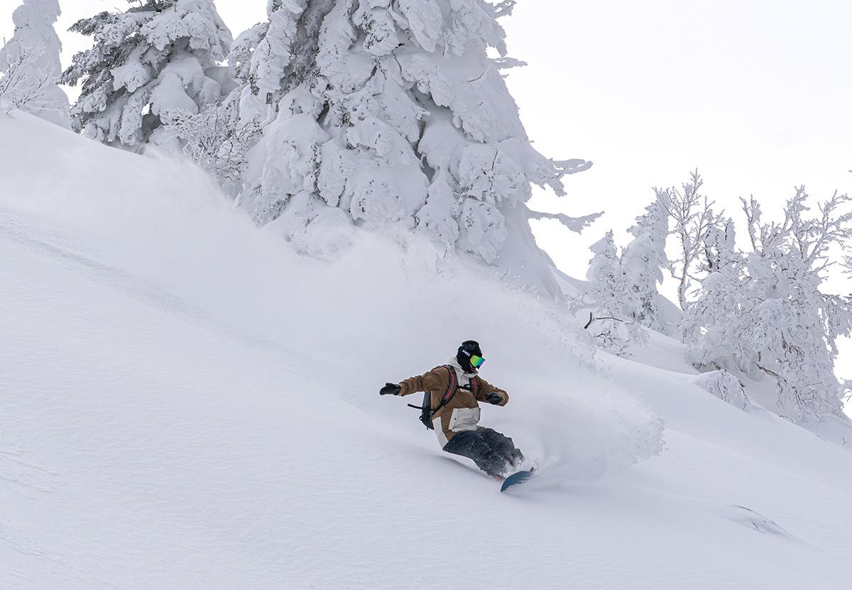 17_DSC7463 豊富な雪を求め、世界的トップスノーボーダー布施 忠がJeep Wranglerで豪雪地・八甲田を旅した二日間