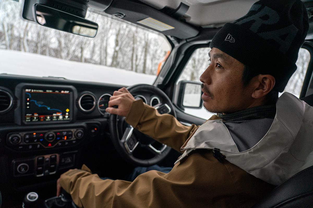 5_DSC7395 豊富な雪を求め、世界的トップスノーボーダー布施 忠がJeep Wranglerで豪雪地・八甲田を旅した二日間