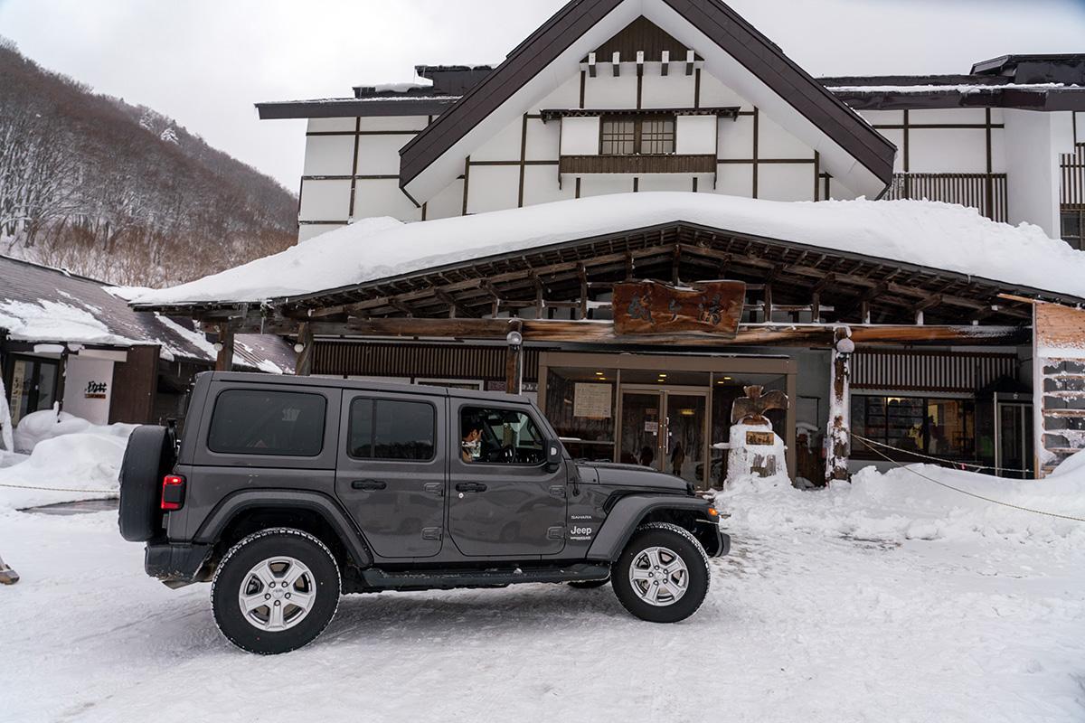 7_DSC7406 豊富な雪を求め、世界的トップスノーボーダー布施 忠がJeep Wranglerで豪雪地・八甲田を旅した二日間