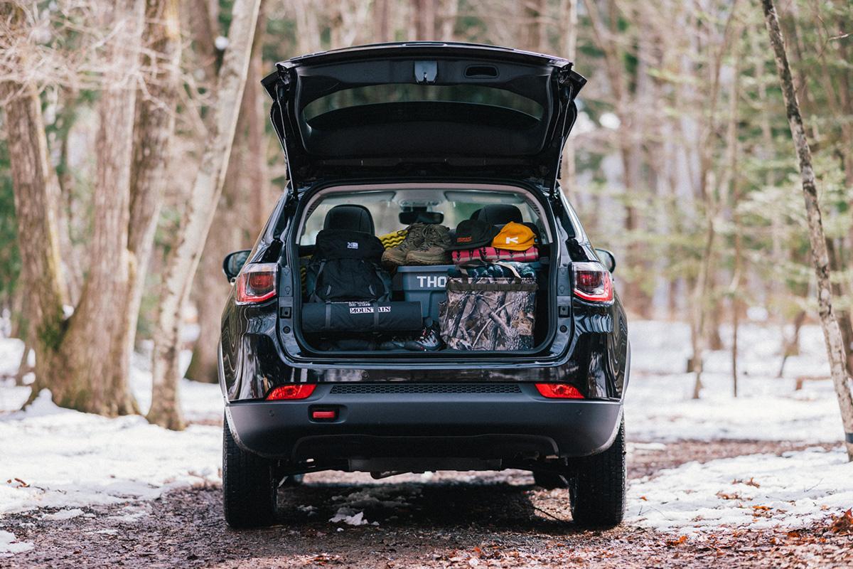 20200317_qetic-jeep-0143 【Jeepモデル別・積載企画】Jeep Compassに合うギア&積み方のポイントを人気スタイリスト・平健一がレクチャー!