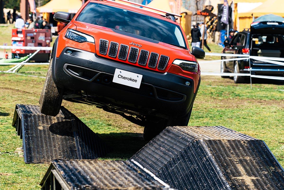 190426_jeep_go-out-jamboree-2019-20 【GO OUT JAMBOREE 2019 レポート】Jeep® オフロードコース体験!おしゃれテント&ファッションスナップも!