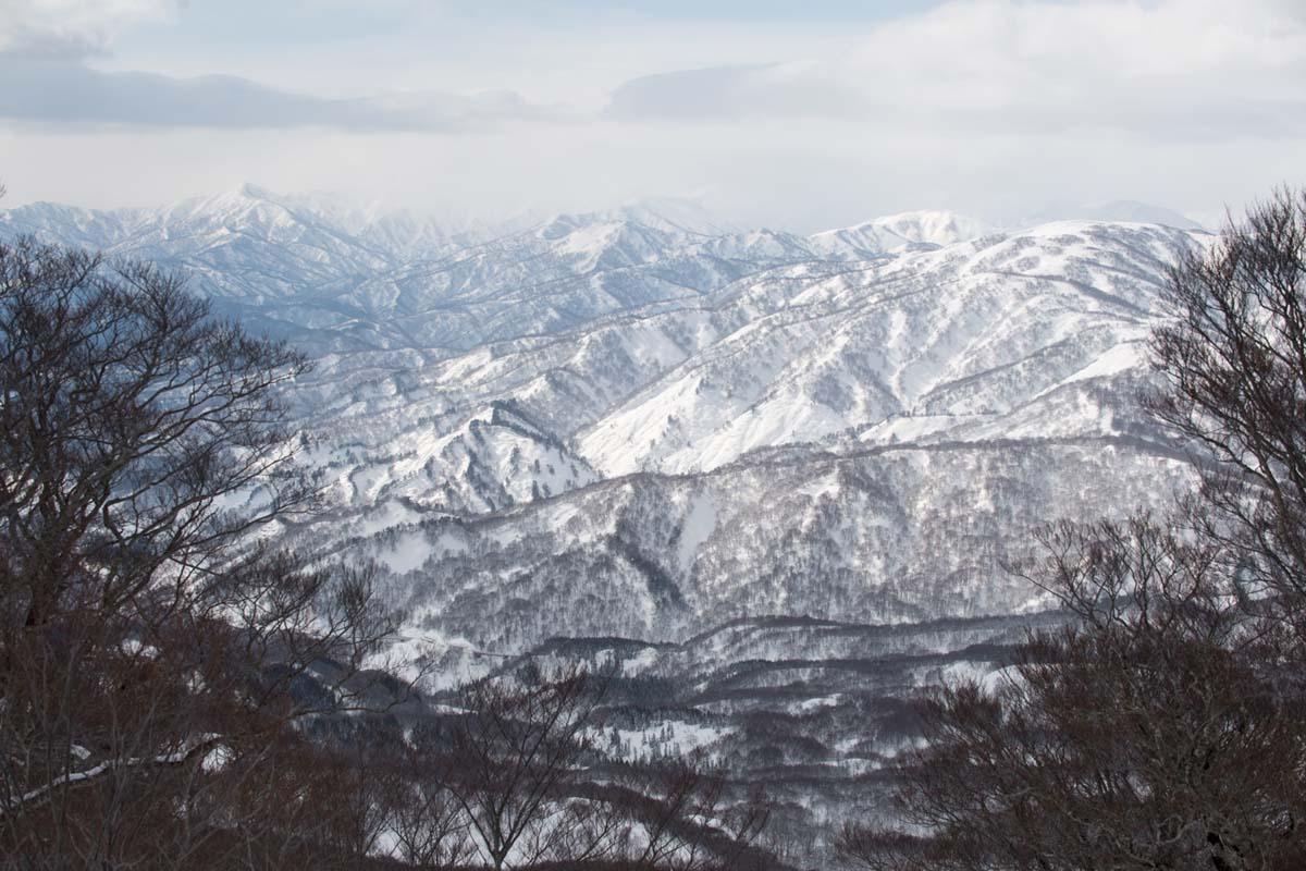 TAK1802_1052 Jeep®︎ UNMAP YOUR LIFE 〜山形県、月山バックカントリー&雪上車ツアー編〜 自分を解放する、こだわりの時間