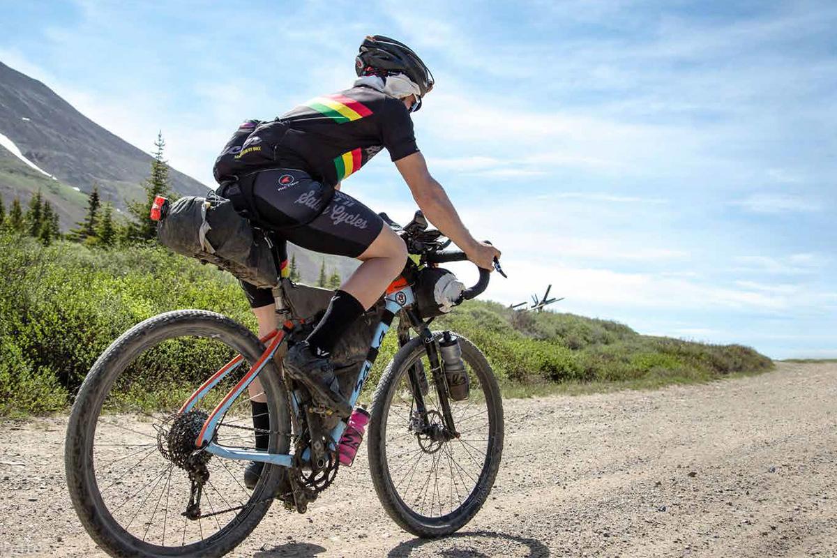 1-1 【アウトドア自転車特集2020】プロがおすすめする大自然で遊べる一台はコレ!