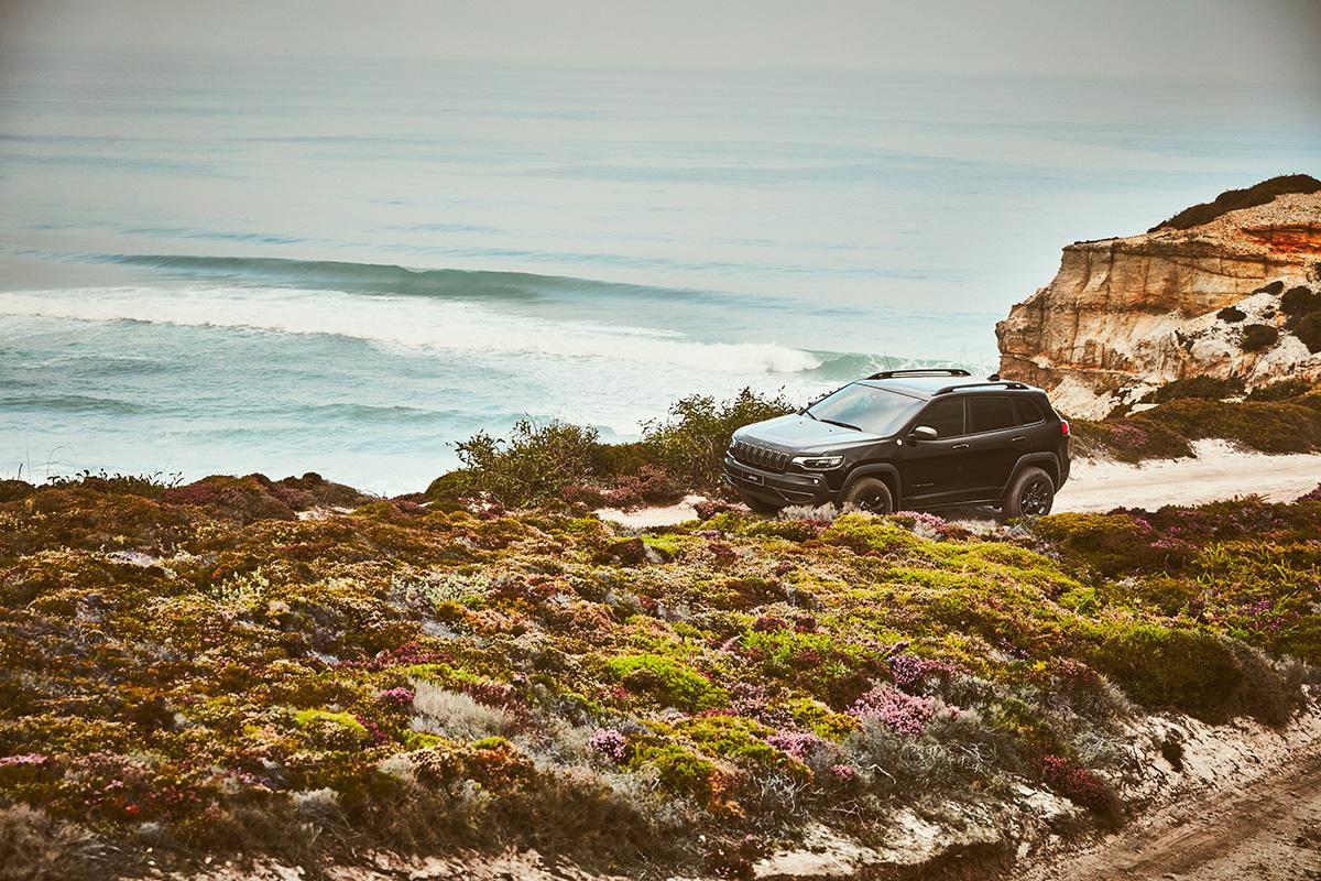 """SHOT_001_082 【Jeep×WSL連載企画・第5弾】サーフィン界の世界最高峰ツアー・CTで、王者のみが袖を通す""""イエロージャージ""""の誇り"""